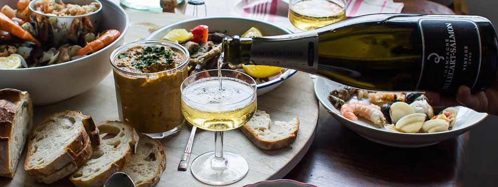 ©Rosana_McPhee_hotchilliblog_seafood-and-champagne.jpg