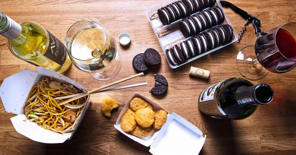 Facebook-Wine-Pairings-Charles-Smith-Cabernet-Oreo-Chinese-Takeout-Netflix-Wine-and-fast-food.jpg